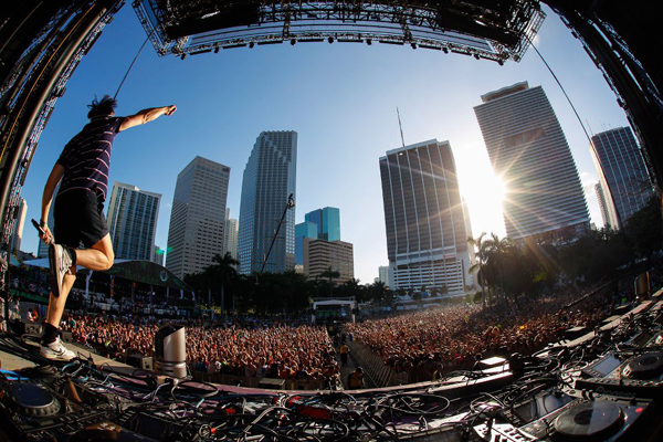 CARTEL Y VÍDEO: Ultra Music Festival 2013, Miami.