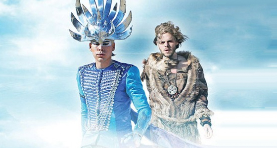 """Alive"", nuevo vídeo de Empire Of The Sun."