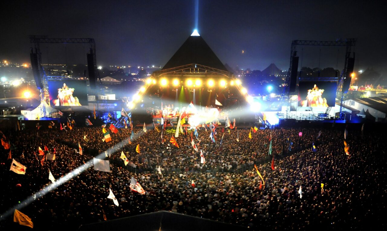 Resumen 2º día Glastonbury: Rolling Stones, Elvis Costello, Devendra Banhart, Ben Howard…