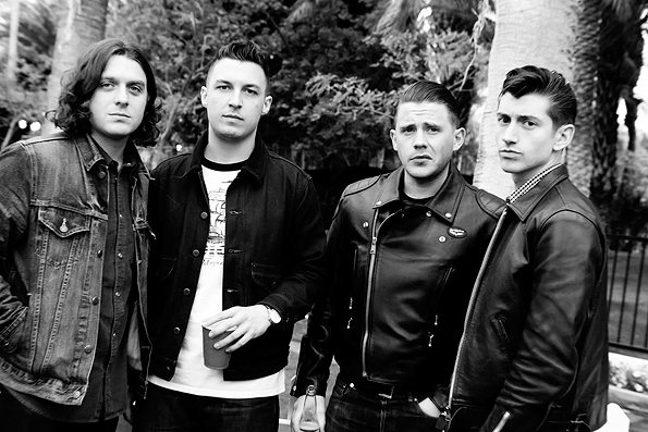 Arctic Monkeys versionan a Lou Reed