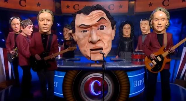 "Arcade Fire debutan como ""The Reflektors"" en The Colbert Report"
