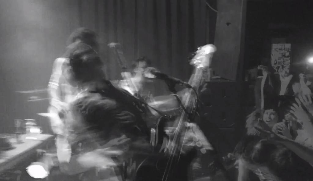 """Palma Violets presumen de directo en su nuevo vídeo: """"Rattlesnake Highway"""""""
