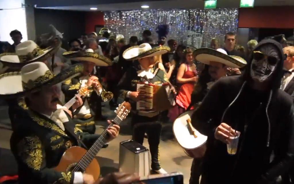 arcade fire mariachis