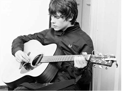 Dadle una guitarra a Jake Bugg, no necesita más
