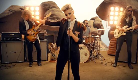 The Killers repasan su videografía en «Just Another Girl»