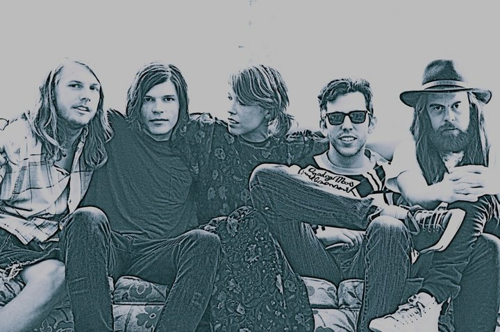 Grouplove versionan a Cage The Elephant