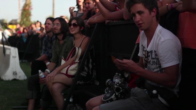 Este tío se ha colado en 50 festivales en 4 años y ahora quiere compartir su experiencia