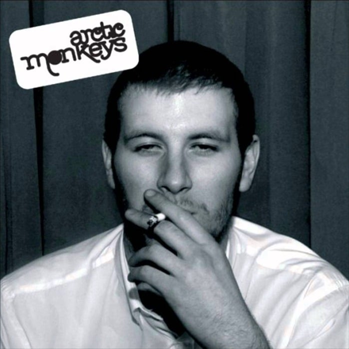 Whatever People Say I Am, That's What I'm Not cumple 15 años – Debut de Arctic Monkeys