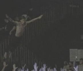 """El vídeo de """"Cry Baby"""" y los recuerdos de Cage The Elephant"""