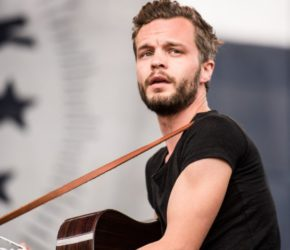 The Tallest Man On Earth y su nueva melodía sobresaliente marca de la casa