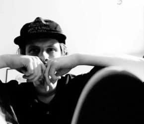 "Jamie T estrena ""Tinfoil Boy"", su nuevo single"