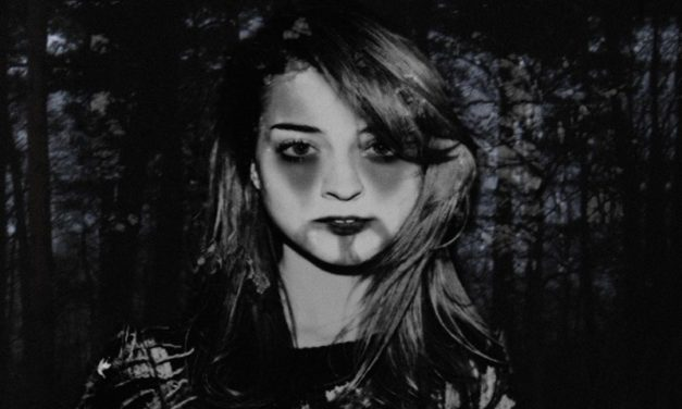 Russian Red se pasa al Black Metal en su nuevo disco