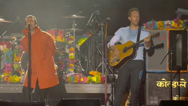 liam gallagher chris martin
