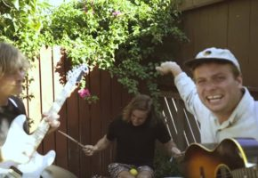 "Mac DeMarco vuelve a superarse en su nuevo vídeo, ""One Another"""