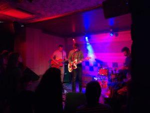Guadalupe Plata concierto y Pablo Und Destruktion en León