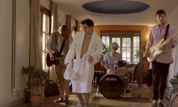 """Vídeo: Carolina Durante estrenan 'Cayetano', su himno """"pijo"""""""