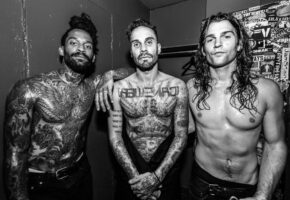 "FEVER 333 lanzan su nuevo single ""Kingdom"""