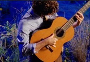 """VÍDEO - Guitarricadelafuente presenta """"Desde las Alturas"""""""