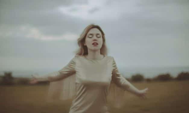 """Entrevista a Eva Ryjlen: """"Que alguien escuche mis canciones y las haga suyas, ya es un éxito total"""" (2021)"""