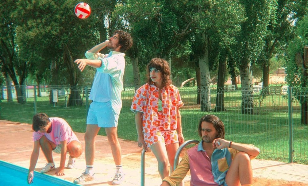 "Cruceros Manzanares estrenan ""Cristina (Invítame a tu piscina)"""